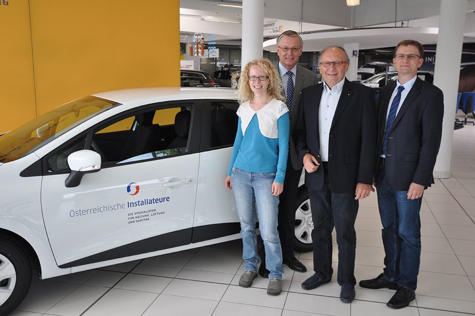 v.l.n.r.: Gewinnerin Kathrin U. aus Linz, BIM-Stv. Karl Pech, BIM KommR Ing. Michael Mattes, GF DI Christian Atzmüller